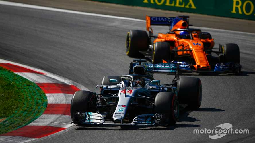 Alonso: Rivals aren't exploiting Hamilton's 'weakness'