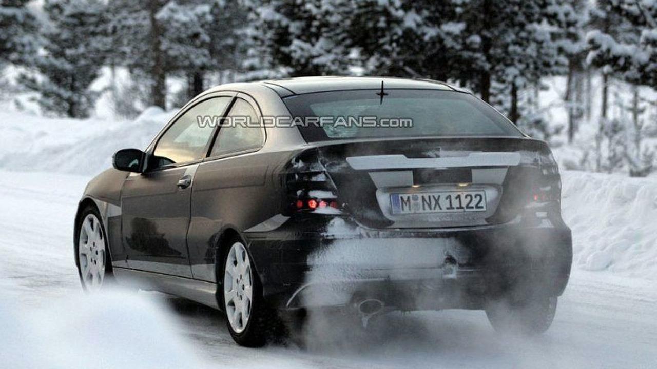 SPY PHOTOS: All New Mercedes C Sportcoupe
