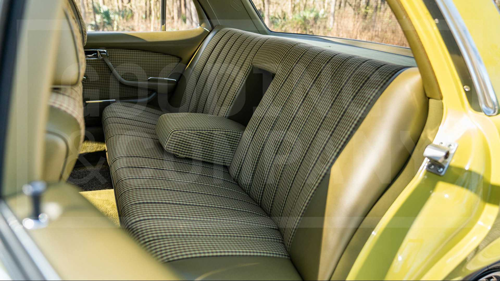 "[""Mellow Out In This All-Original 1978 Mercedes-Benz 280 SE""]"