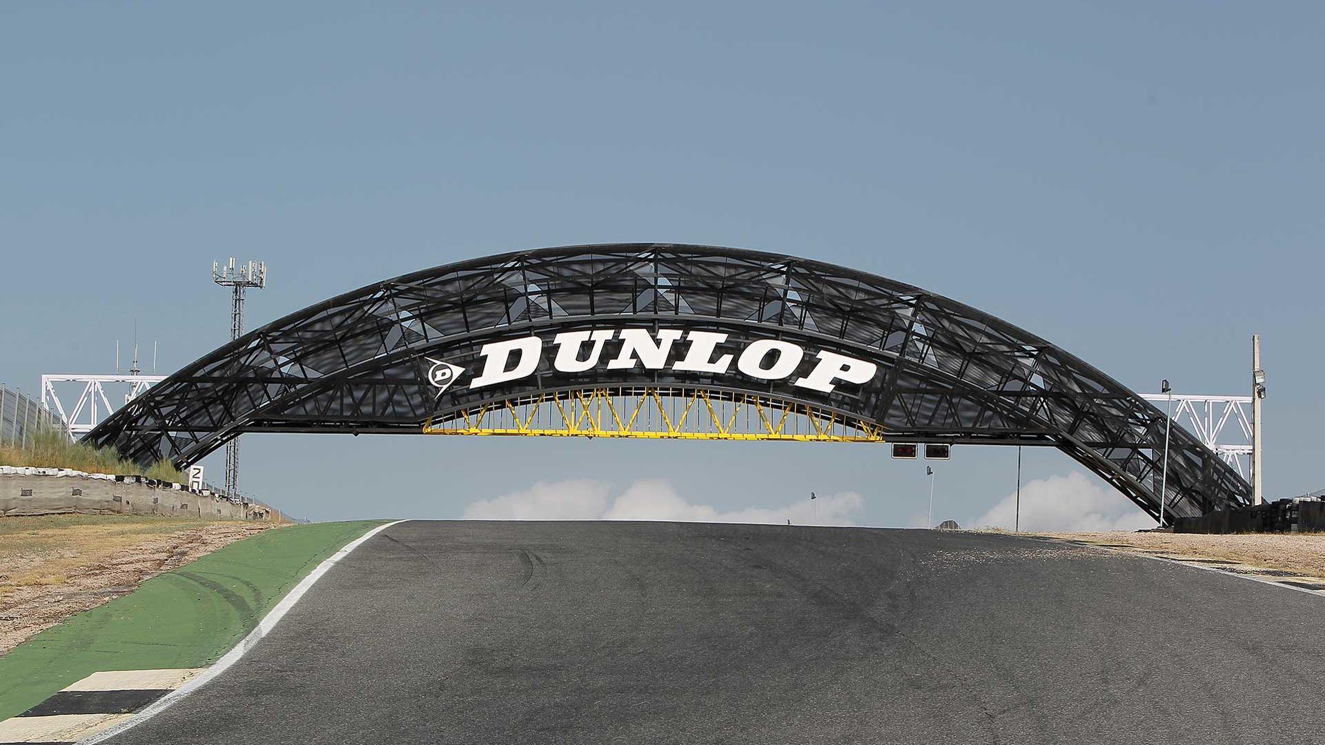 Circuito Del Jarama : Inauguración oficial del puente dunlop en el circuito del jarama