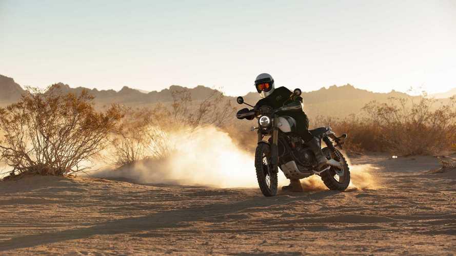 Triumph Scrambler 1200, battesimo di fuoco alla Baja 1000