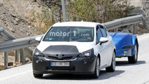 Vauxhall Astra facelift new spy photos