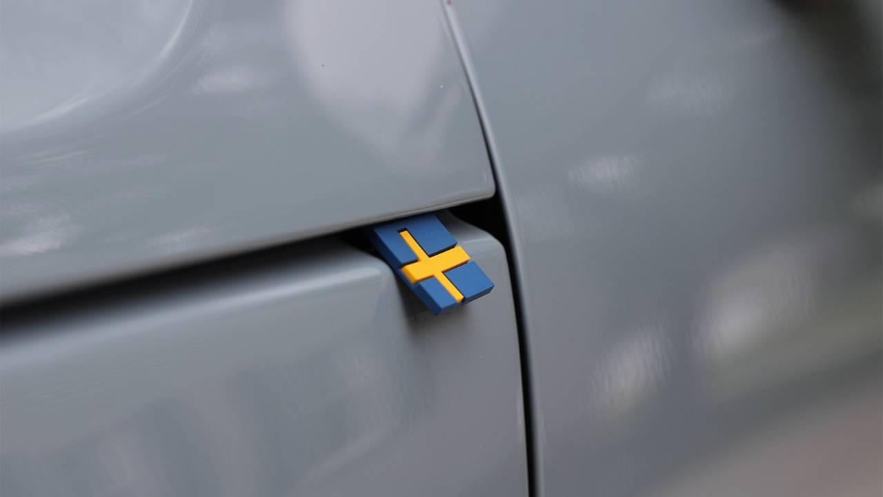 Kaputun Kenarındaki İsveç Bayrağı