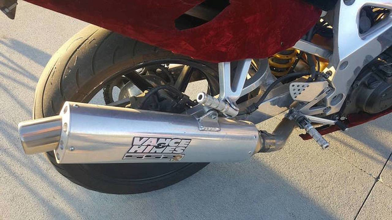 Check out those sweet Chinese eBay footpegs