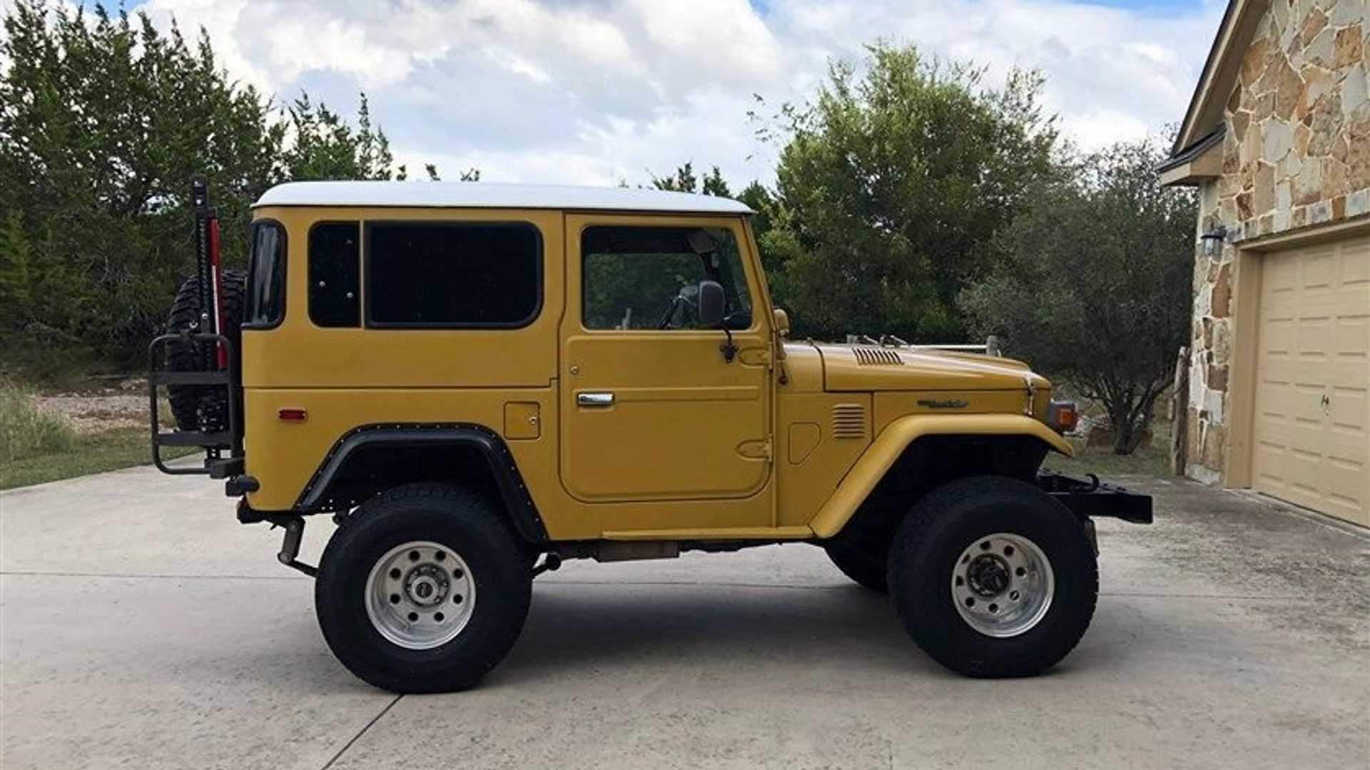 """[""""Go Anywhere In This V8-Swapped 1979 Toyota FJ40""""]"""