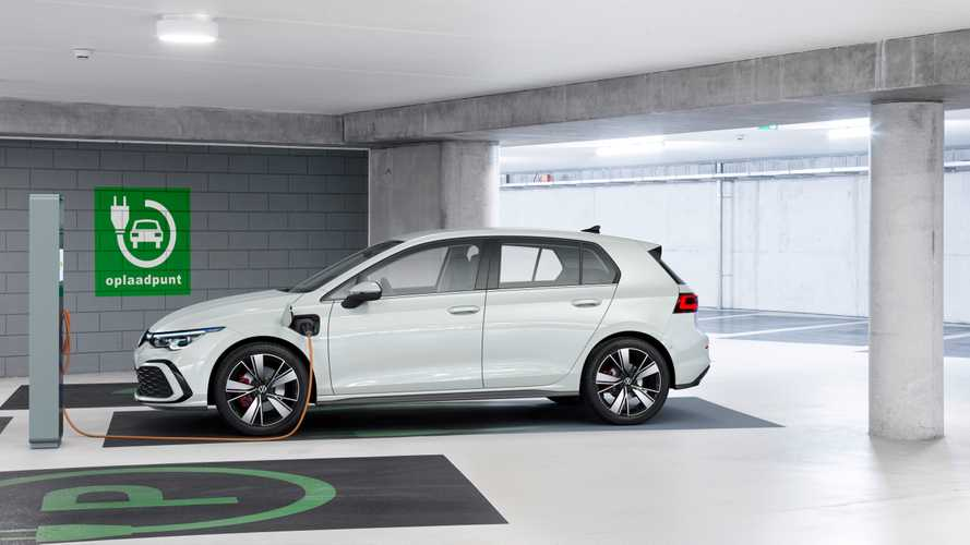 Volkswagen Golf, arriva la plug-in da 204 CV la station a metano