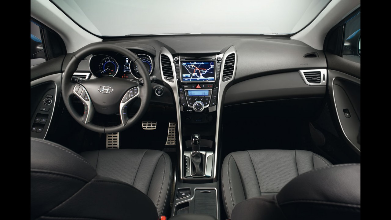 Novo Hyundai i30 já está no Brasil - Nova geração já chega com motor Flex