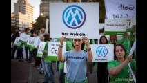 O Greenpeace protestou contra o consumo do Novo Golf 7