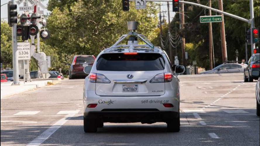 Google prova in città l'auto che si guida da sola [VIDEO]