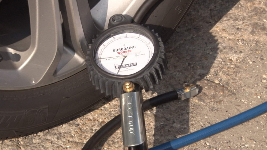 Come si misura la pressione delle gomme