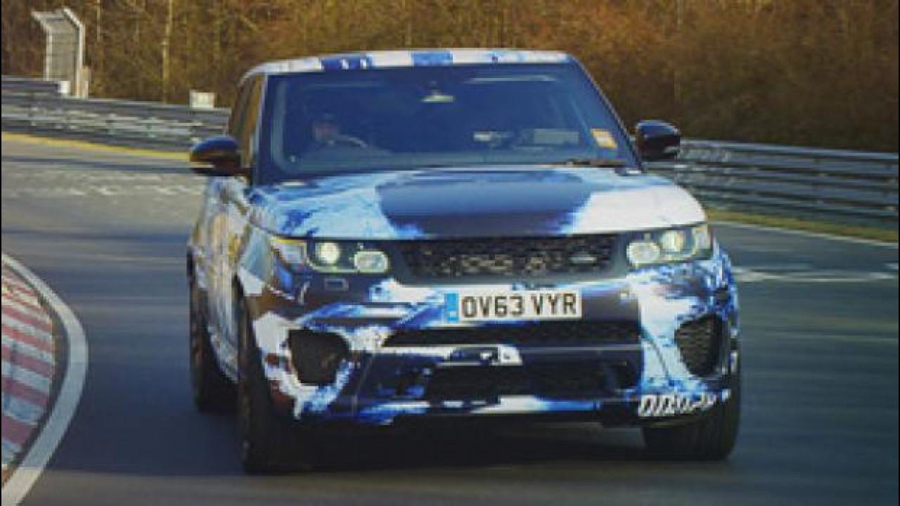 [Copertina] - Range Rover Sport SVR mette alla prova i suoi 550 CV a Goodwood