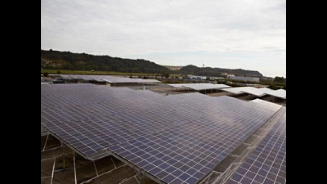 [Copertina] - E' Renault il più grande sistema fotovoltaico mondiale nel settore auto
