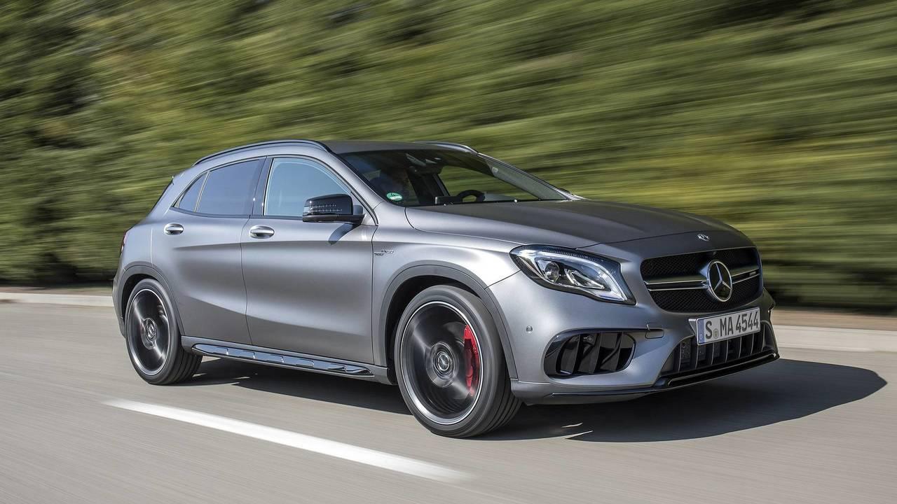 1. Mercedes-AMG A45 /CLA45 / GLA45: 2.0L turbo I4, 381 beygir
