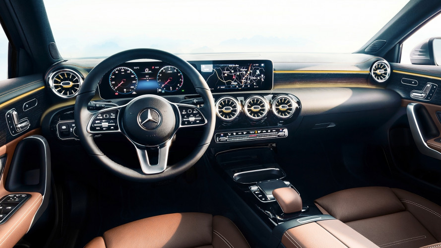 [Copertina] - Nuova Mercedes Classe A, ecco com'è dentro