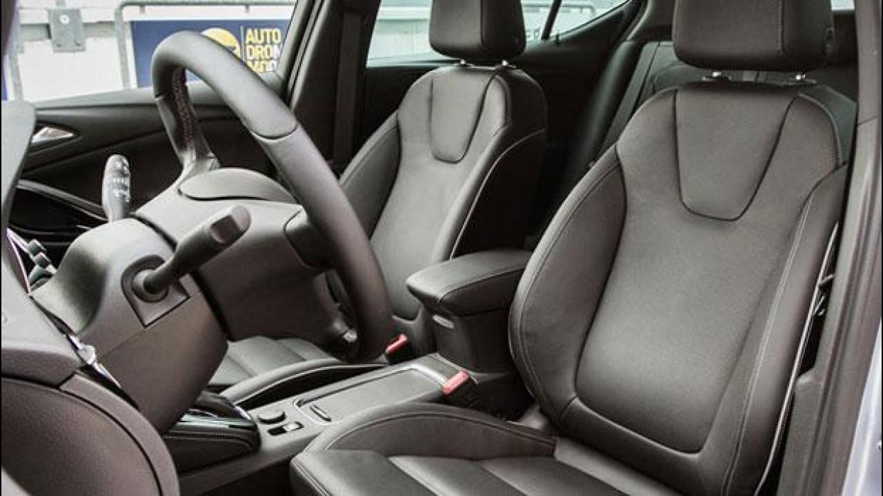 [Copertina] - Opel Astra Sports Tourer: sedili, motore e cambio valgono metà dell'auto