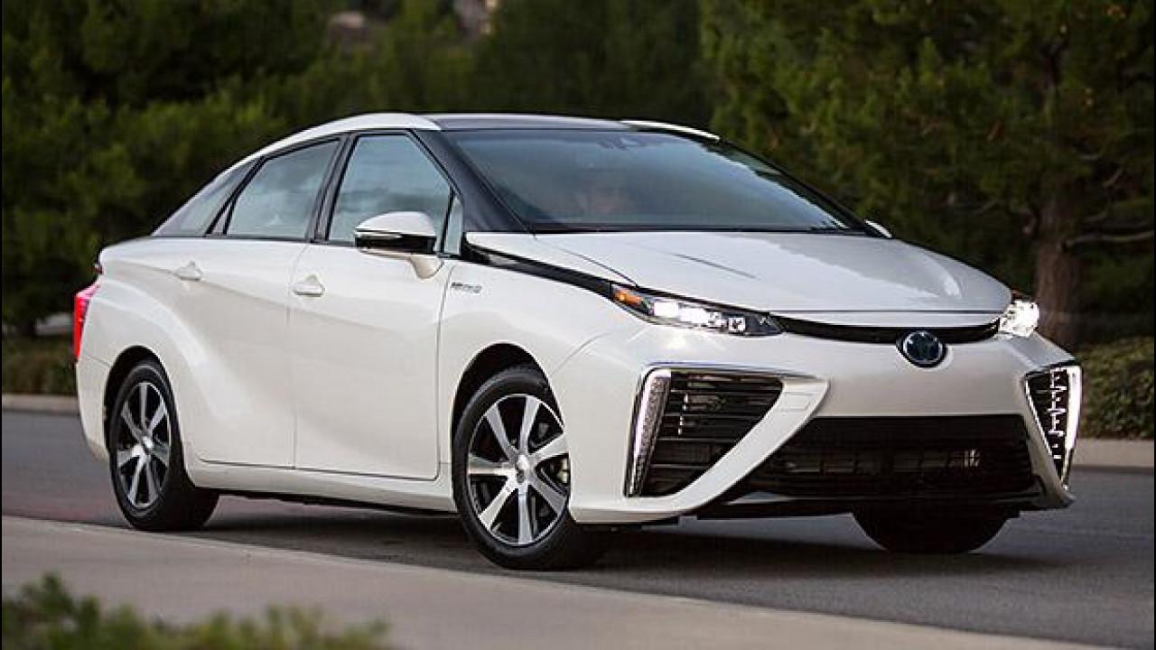 [Copertina] - Toyota Mirai, inizia l'età dell'idrogeno... in California