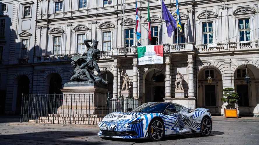 La Pininfarina Battista per la prima volta su strada a Torino