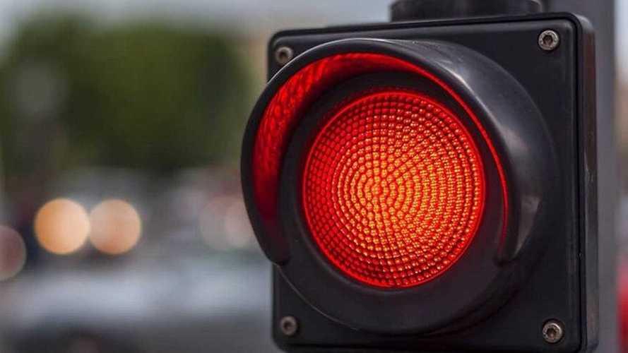 За превышение скорости можно будет получить… красный светофор