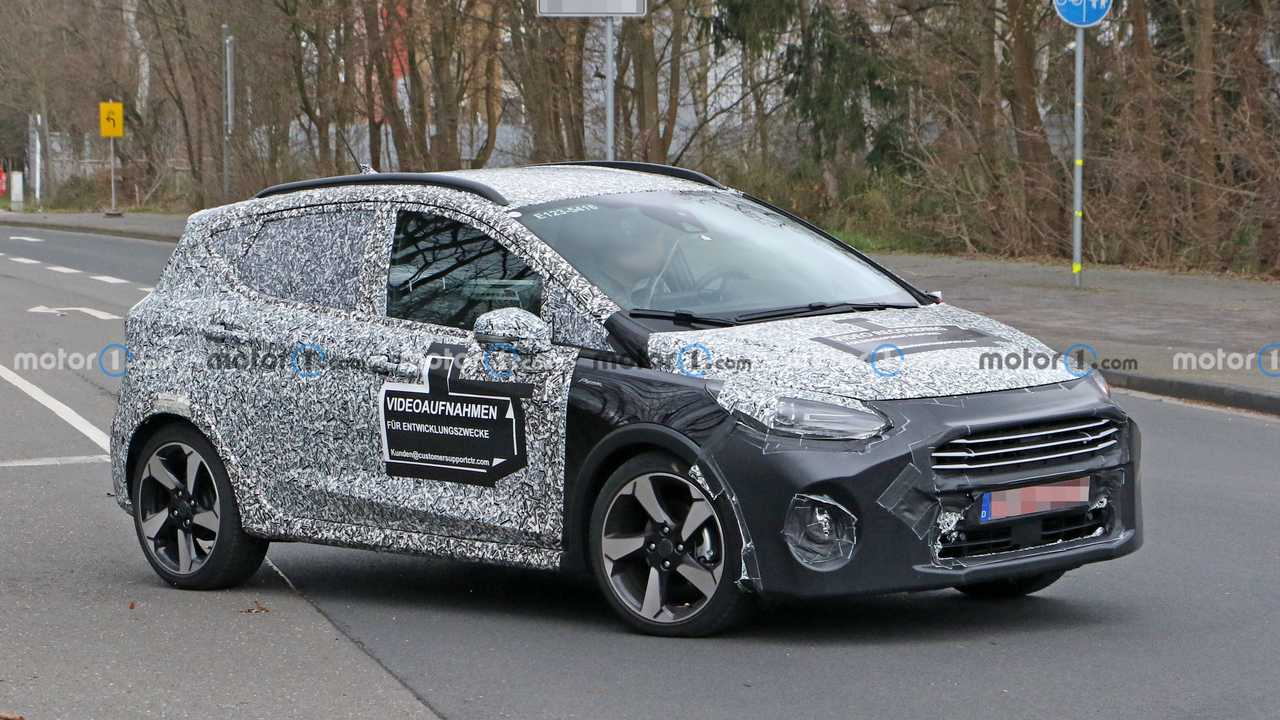 Ford Fiesta refresh three quarters