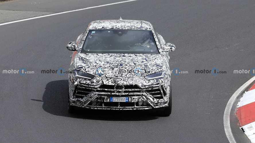 Lamborghini Urus Evo new spy photos