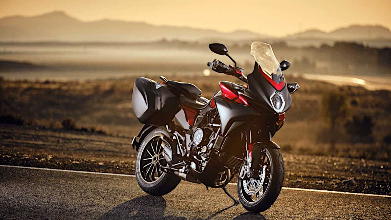 2021 MV Agusta Turismo Veloce Lusso SCS - Right Front Angle View