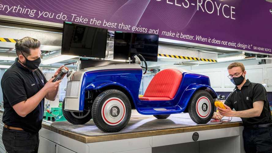 El único EV de Rolls-Royce vuelve a la fábrica para ser revisado