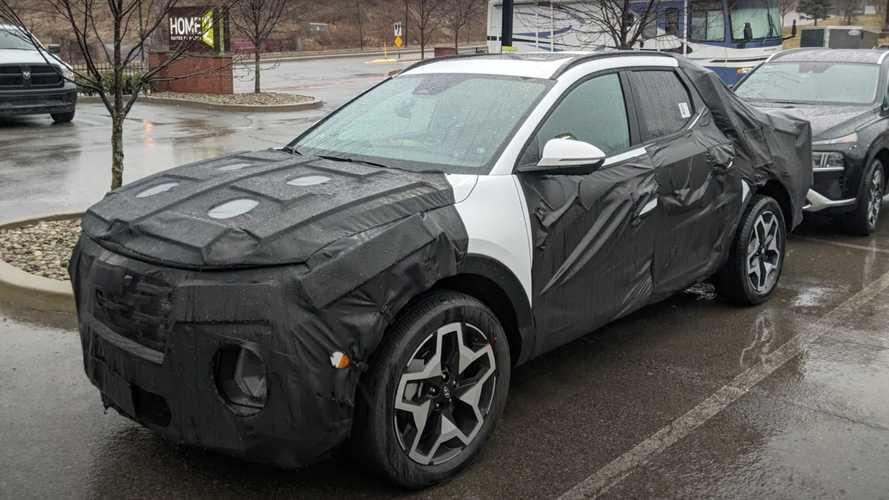 2022 Hyundai Santa Cruz pickup spied up close in a car park