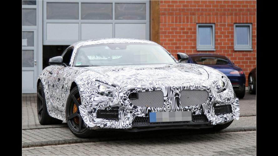Mercedes-AMG GT: Fester Spoiler, mittiger Auspuff