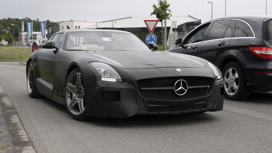 Mercedes SLS AMG Black Series spied on video
