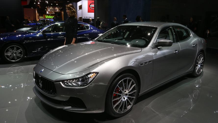 Maserati güncellenmiş Ghibli ve Quattroporte'yi Paris'te sergilendi