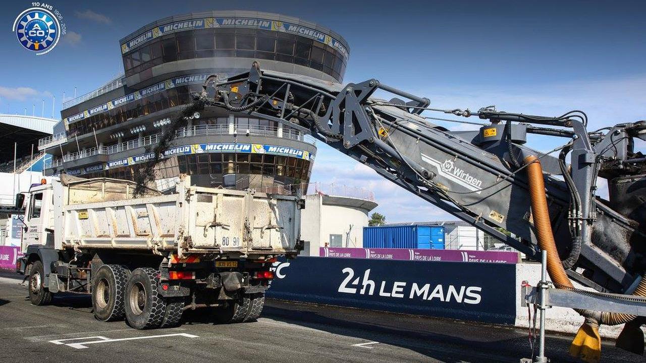 Le Mans's Bugatti track refection