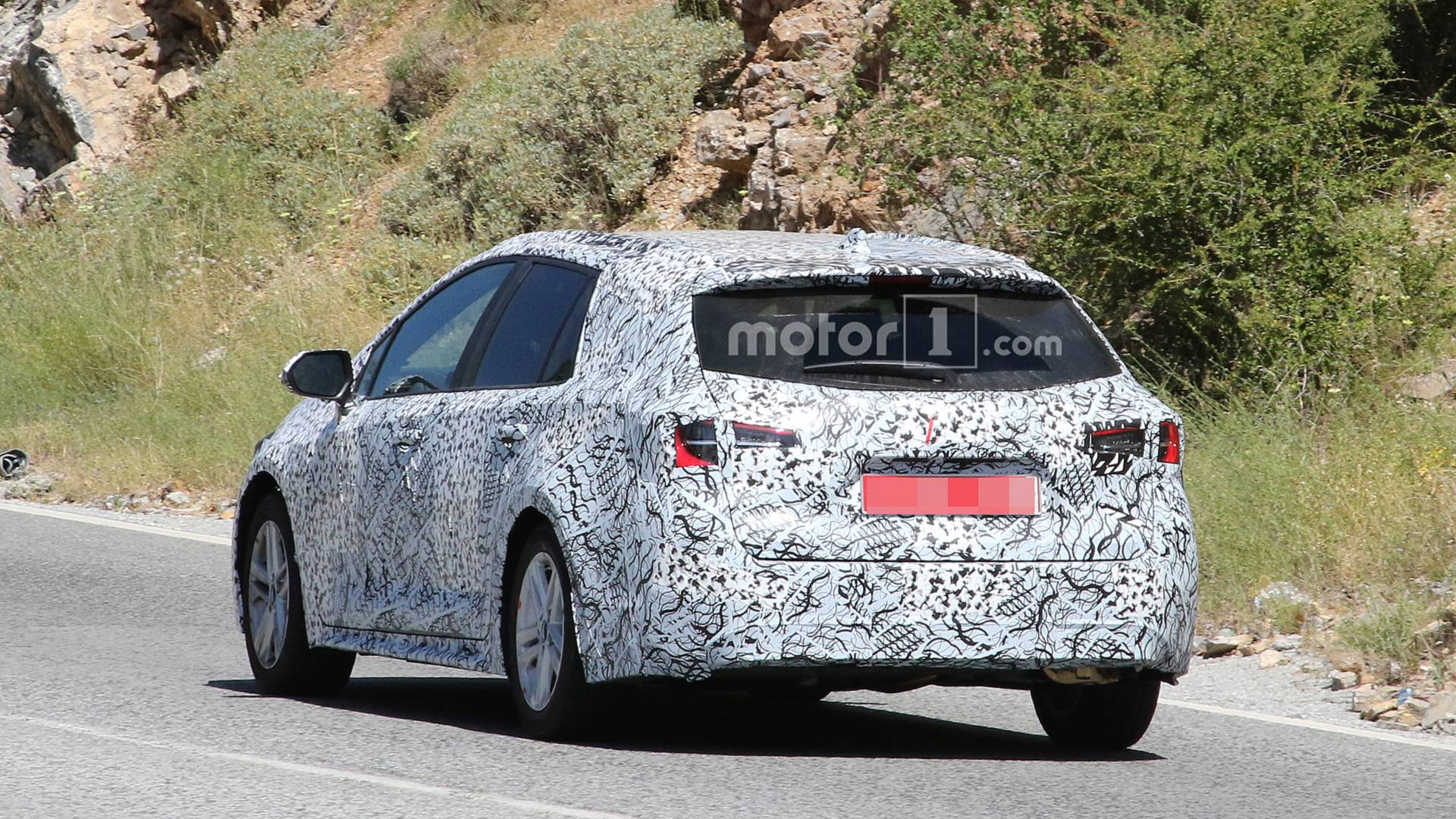 2019 Toyota Auris Touring Sports Wagon Spied Hot Weather Testing