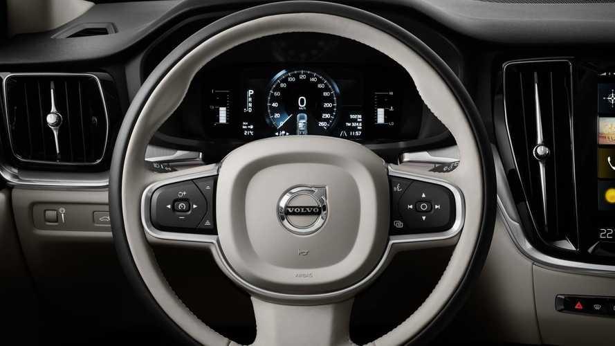 Volvo V60 Vs. V60 Cross Country: Side-By-Side