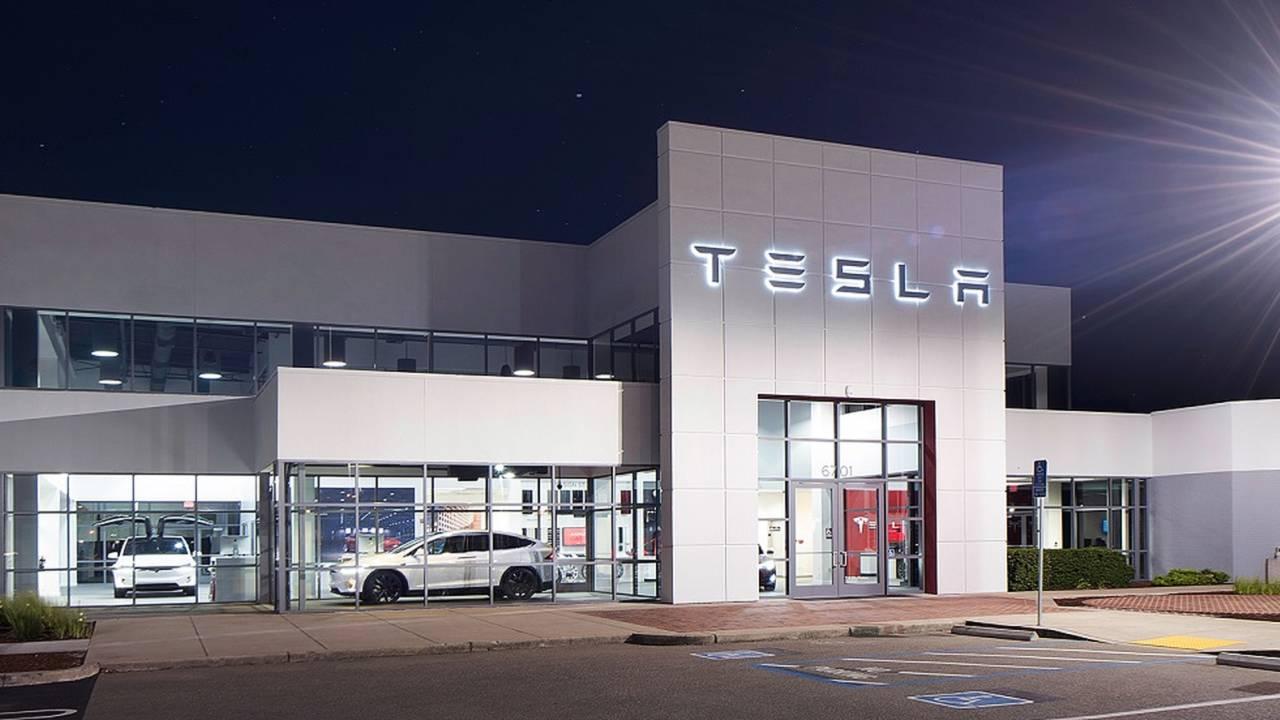 Tesla Service Center