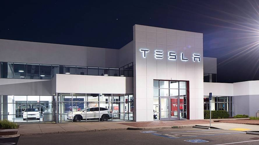 "Tesla Service Center Overload? Cases Hit ""Unbelievable"" Level"