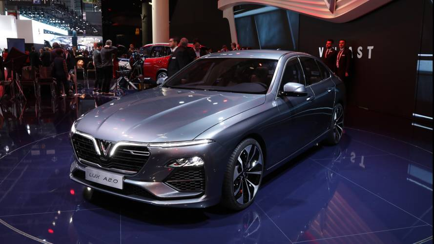Vinfast LUX A2.0 Sedan und LUX SA2.0 SUV in Paris