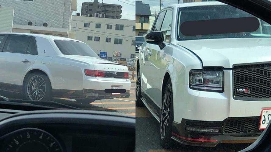 Toyota Century GRMN harika görünümüyle casuslara yakalandı