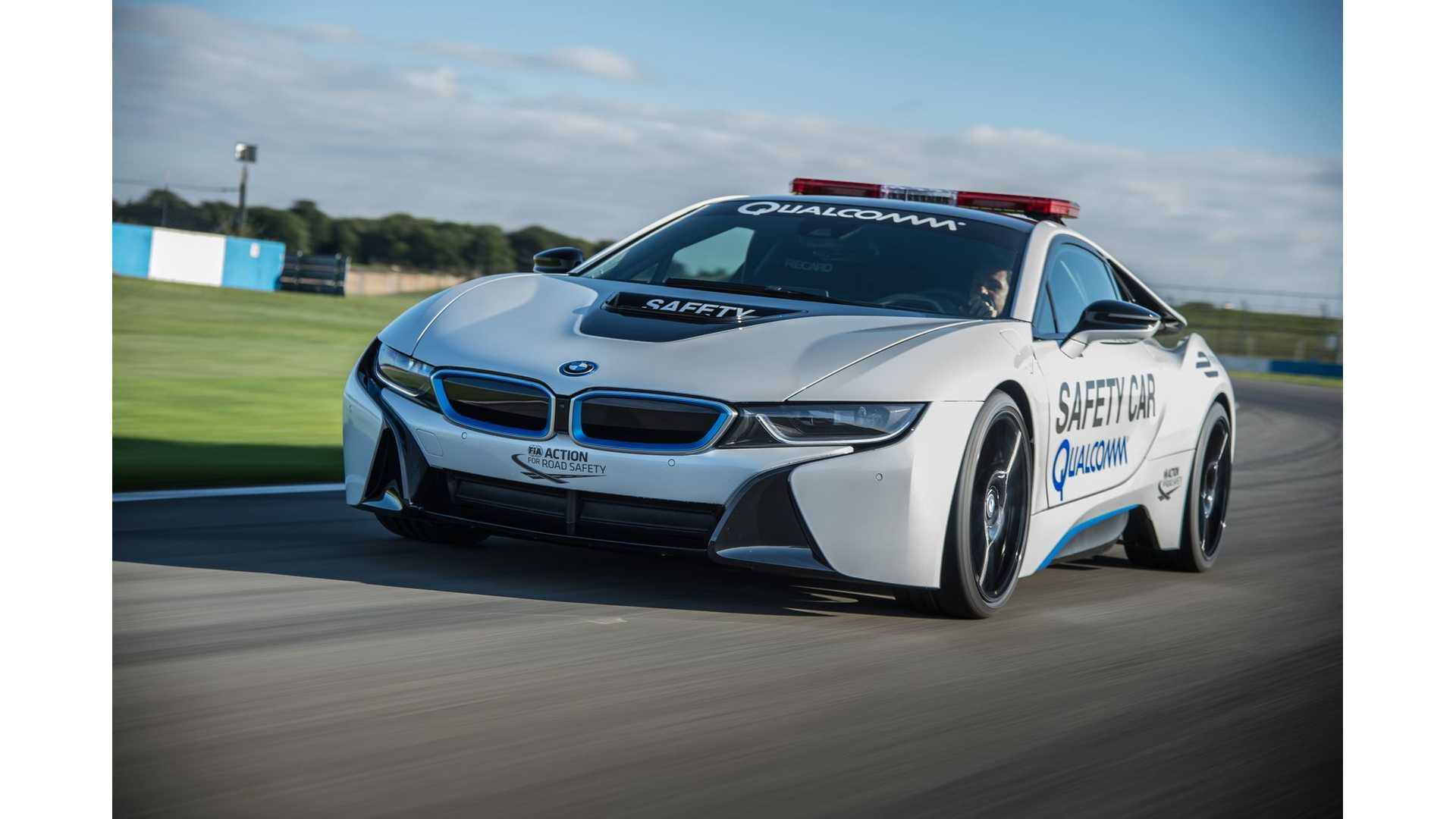 Refreshed 2018 Bmw I8 To Get Increased Electric Range More Insideevs Photos