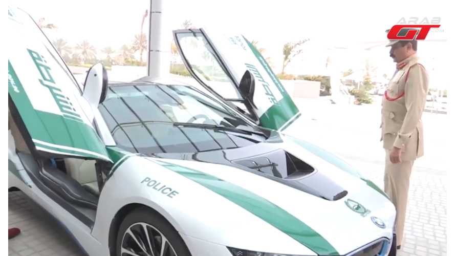Dubai Police Get A BMW i8 - Video