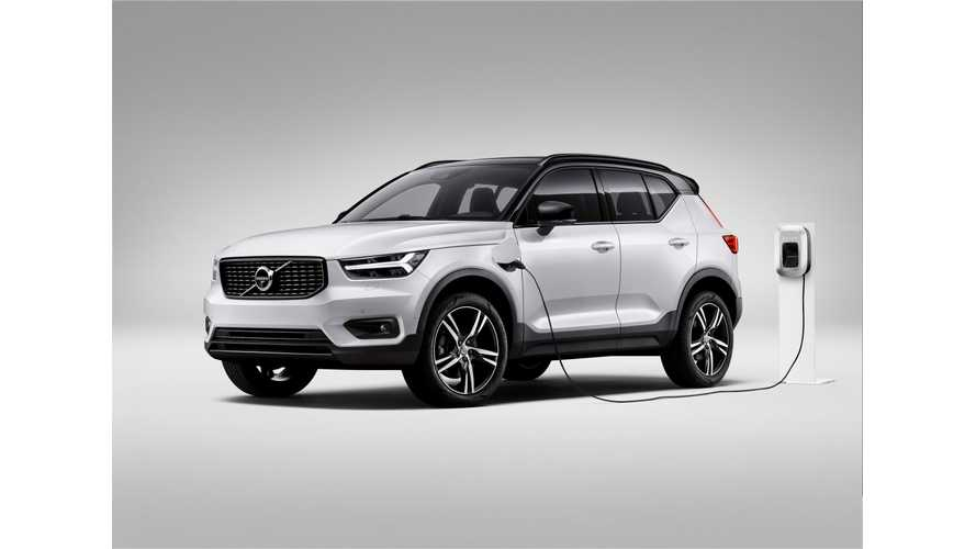 Volvo Debuts Plug-In Hybrid Version Of Super Stylish XC40