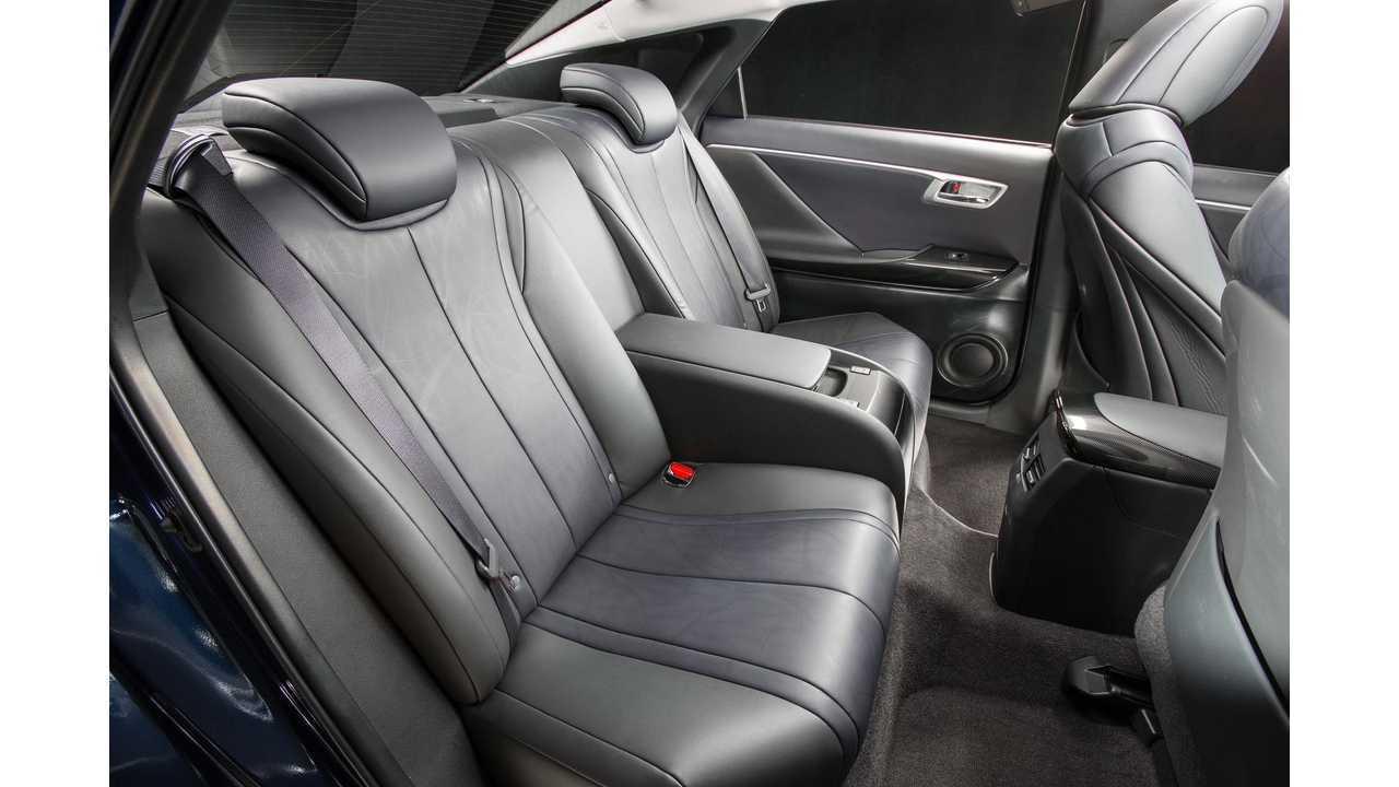 Toyota Mirai - rear seats