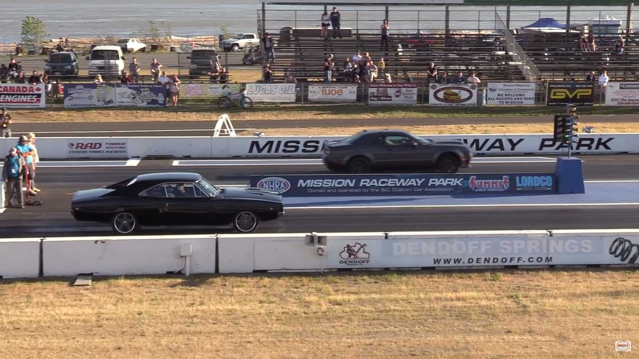 Watch 10 Minutes Of Old Vs New Muscle Car Drag Racing Action