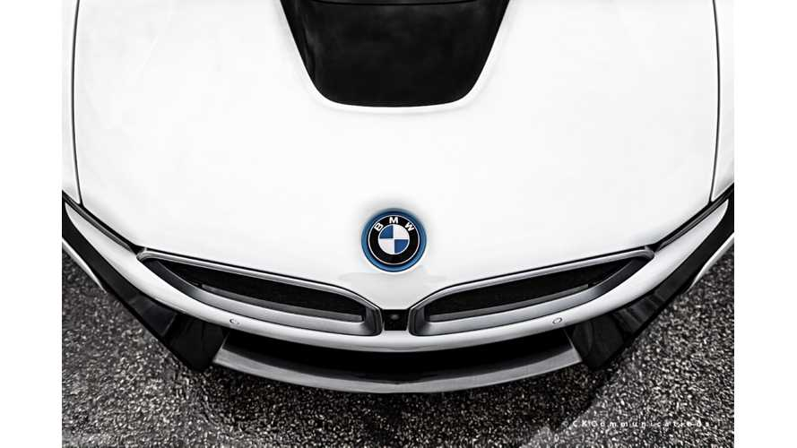 Wallpaper Wednesday: BMW i8 Out In The Rain