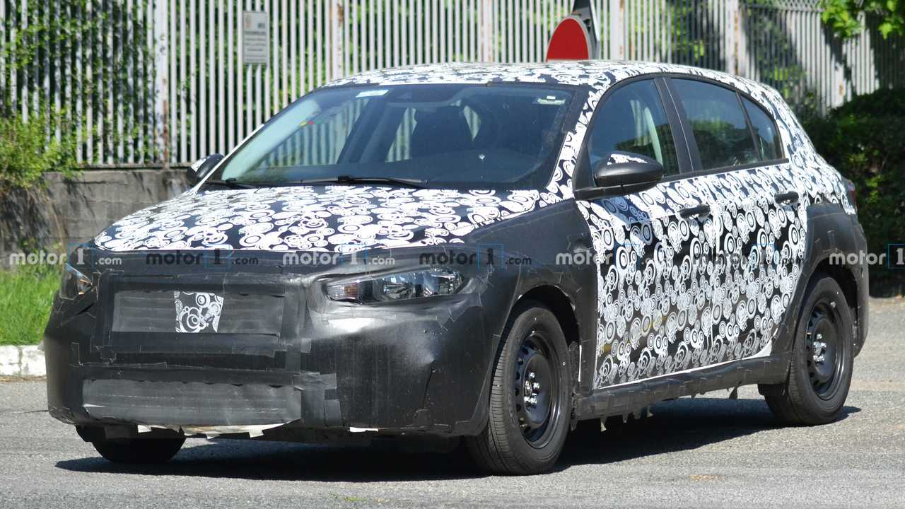 Fiat Tipo Cross 2020, fotos espía