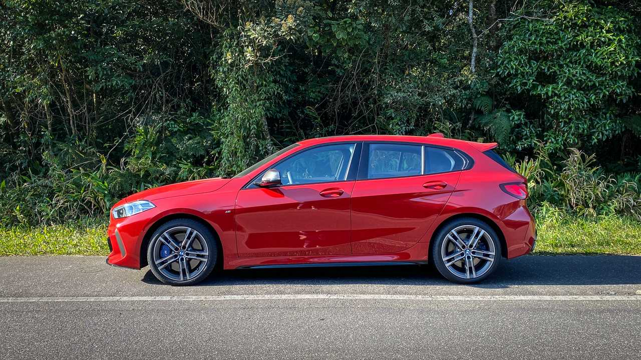 2020 BMW M135i xDrive (teste BR)