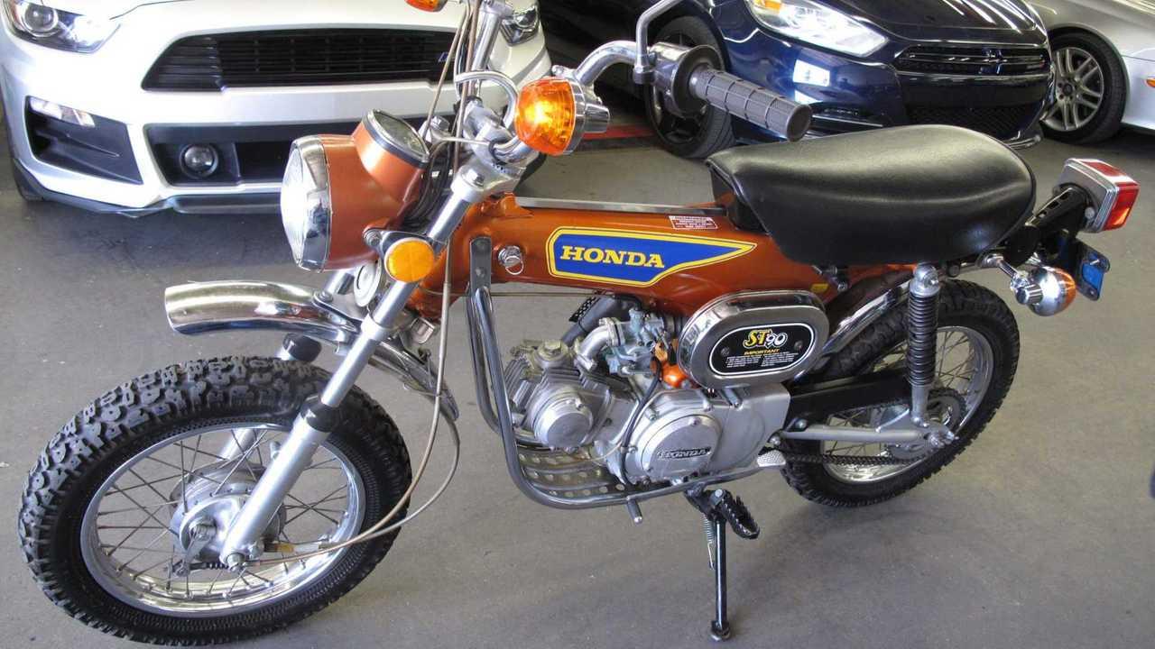 Honda ST90 1975
