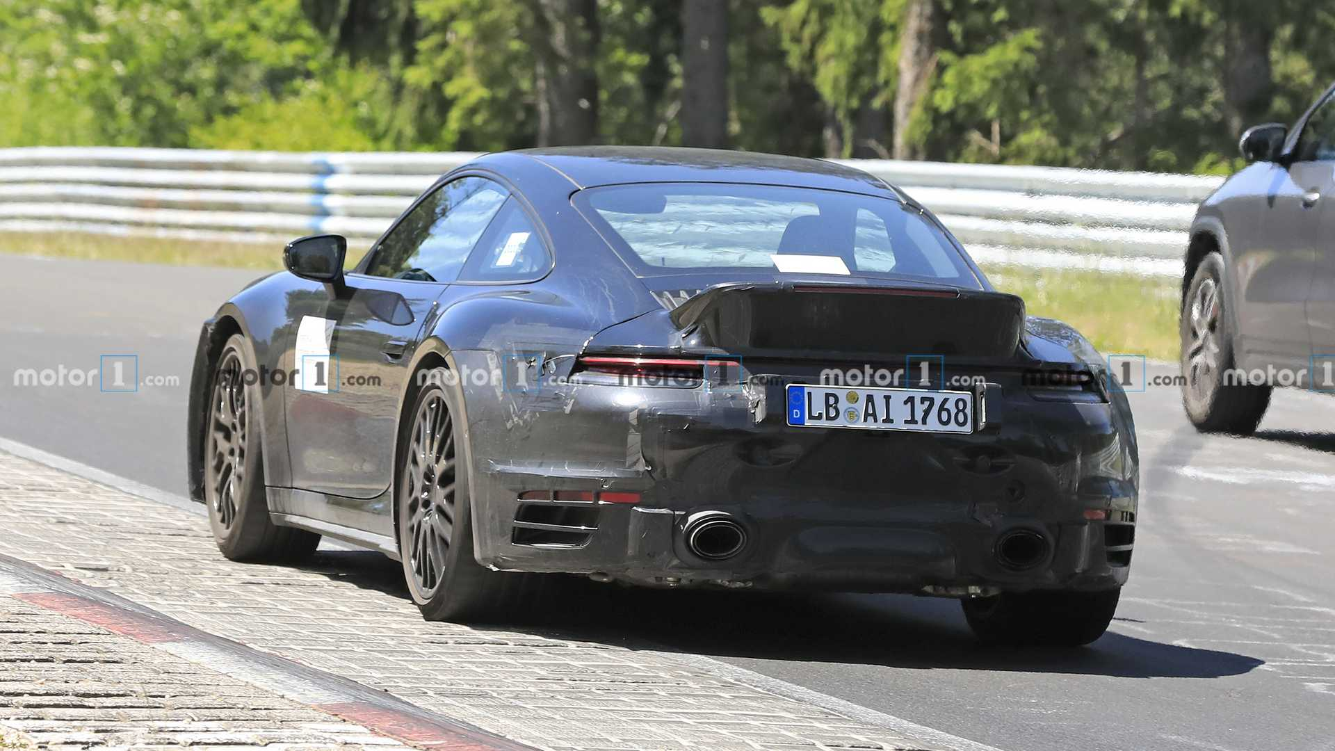 2018 - [Porsche] 911 - Page 20 Porsche-911-turbo-sport-classic-spy-photo