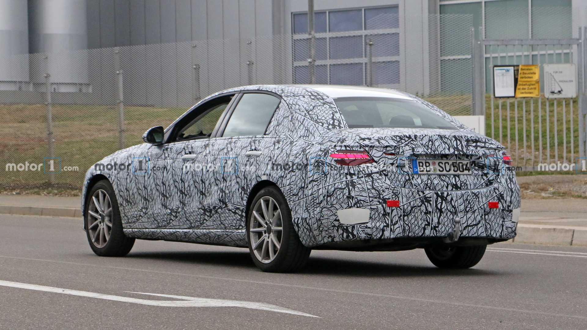 2021-mercedes-c-class-sedan-spy-photo.jp
