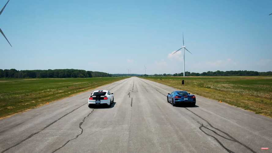Shelby GT500 And C8 Corvette Engage In More Drag Race, Track Battles