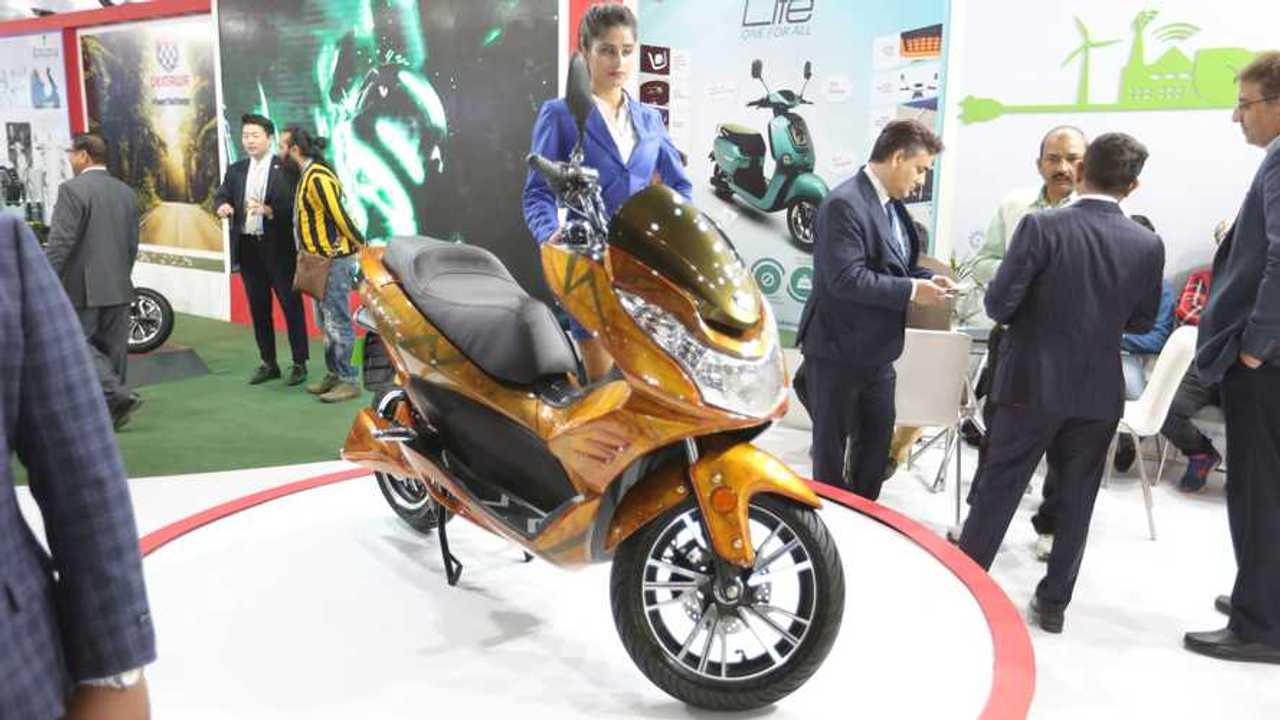 Okinawa Cruiser Electric Maxi-Scooter